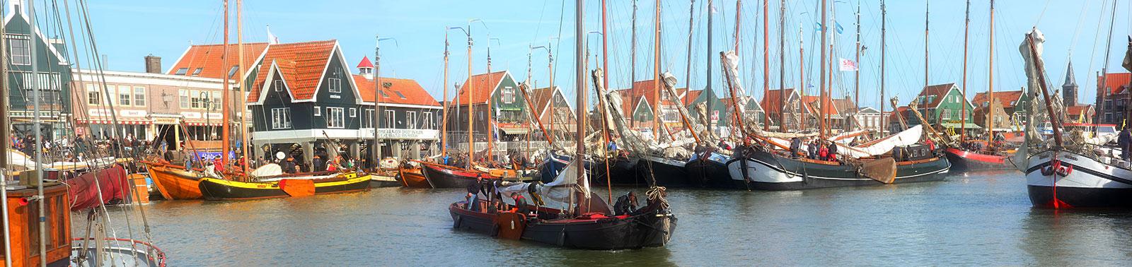 Volendam port